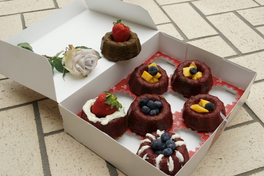 Bundt cakes are usually decorated with frosting but mango, strawberries and blueberries make a gorgeous presentation.